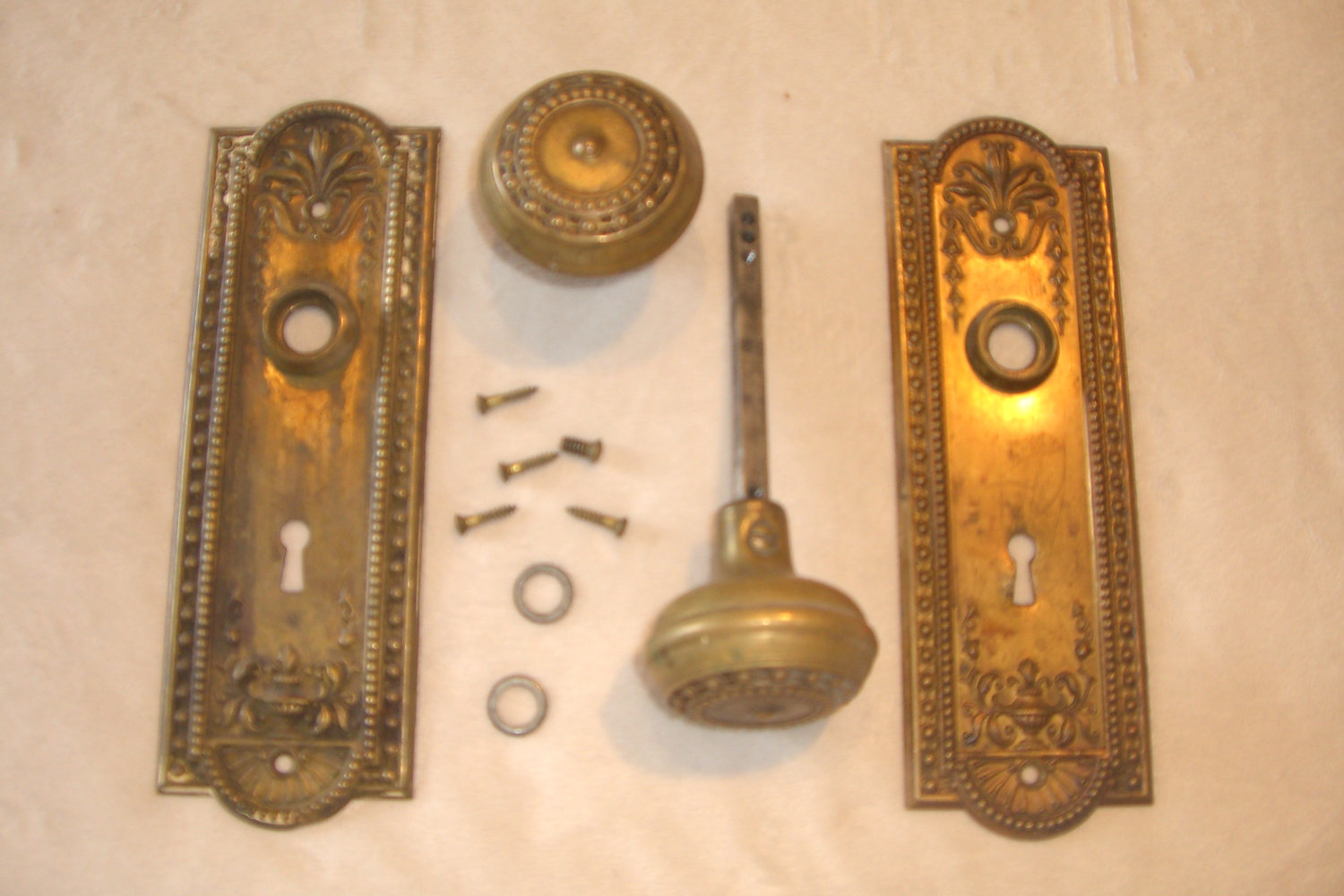 antique door knob plates photo - 5