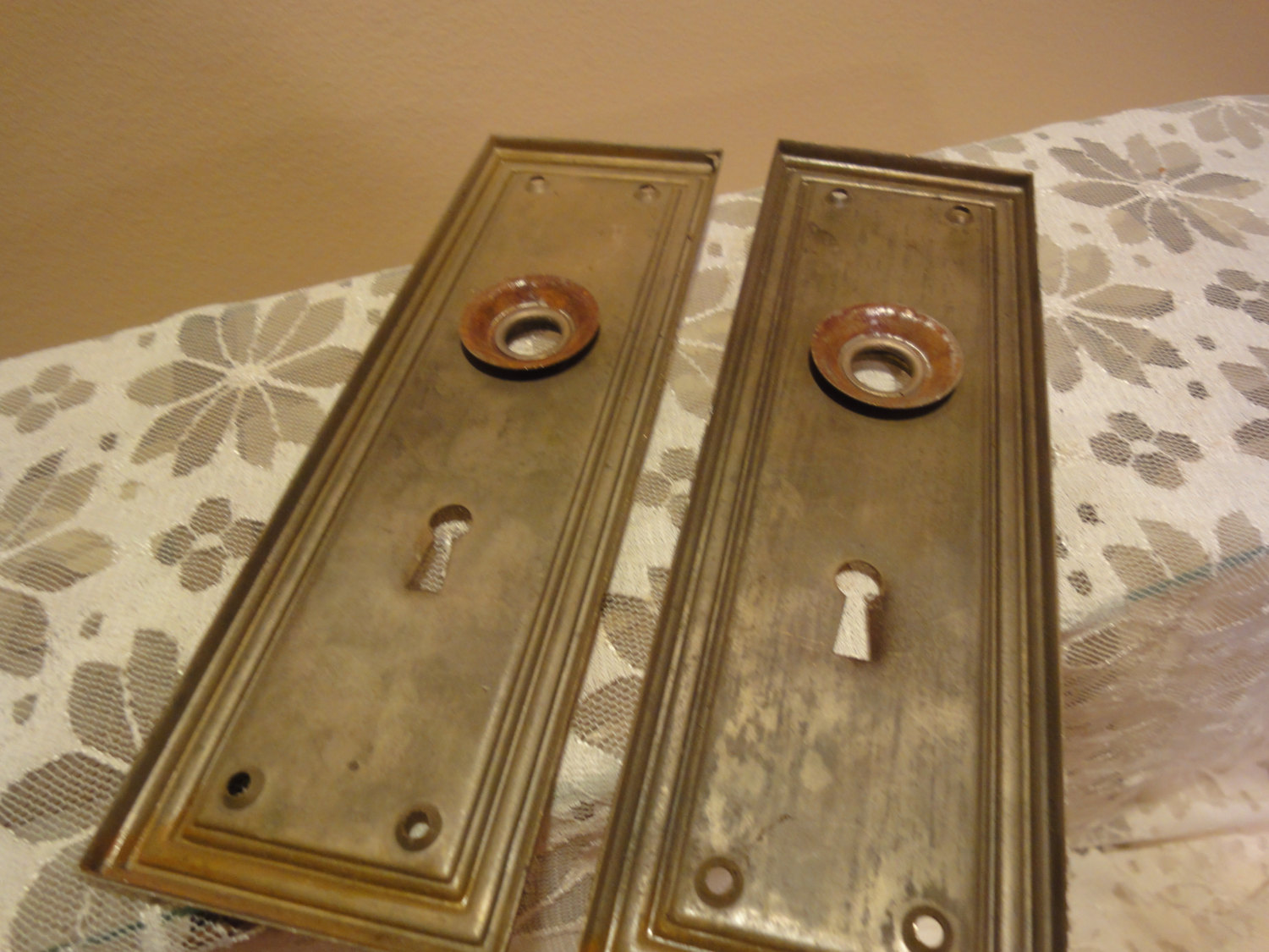 antique door knob plates photo - 8