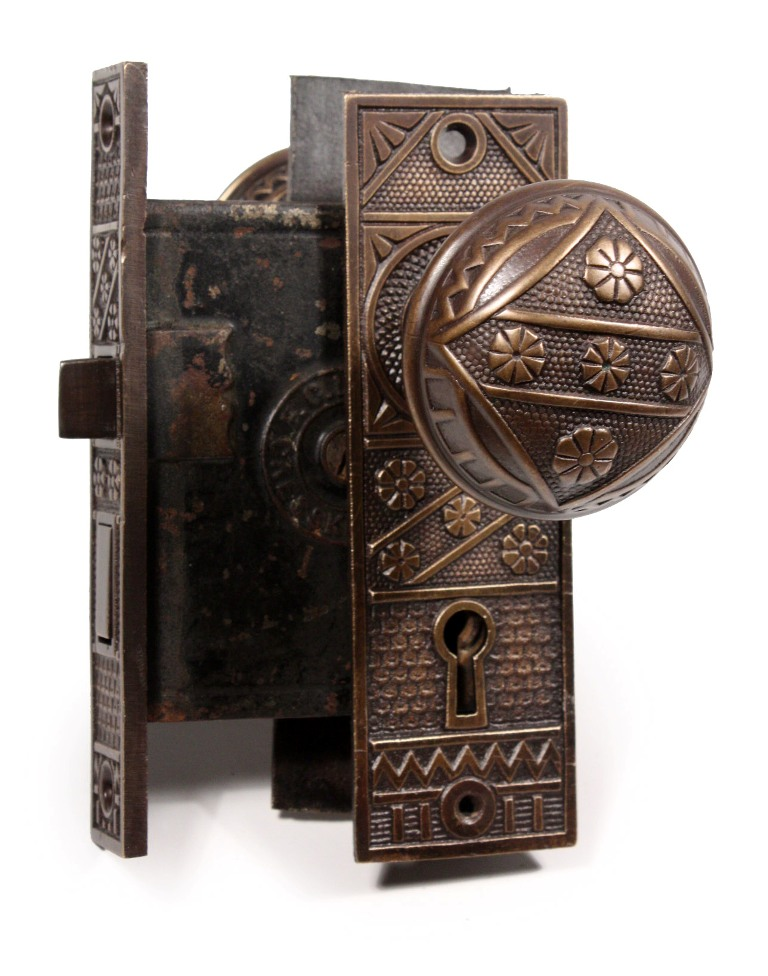 antique door knobs and locks photo - 6