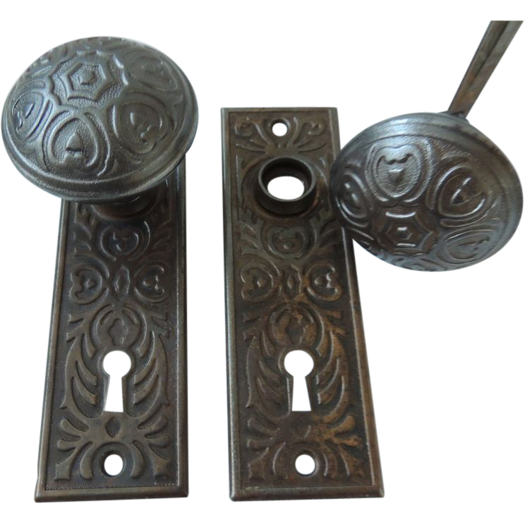antique door knobs and plates photo - 5