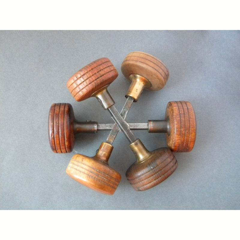 antique wooden door knobs photo - 9