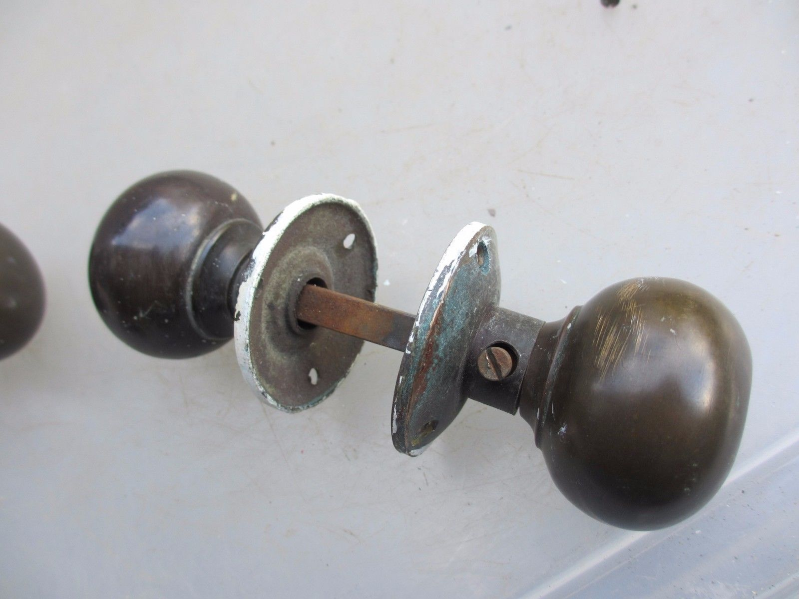 architectural door knobs photo - 10