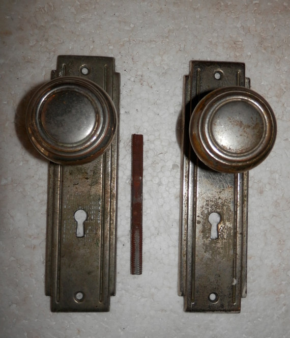art deco door knob photo - 12