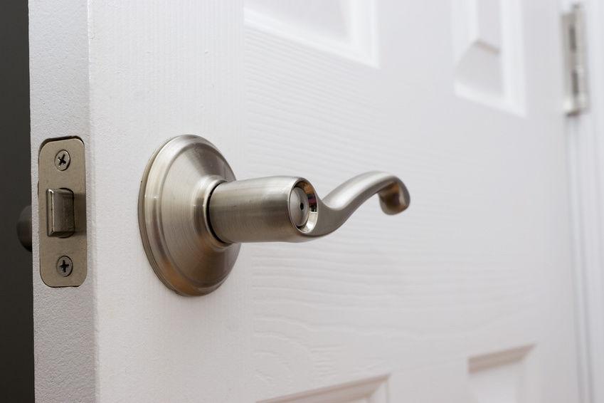 bathroom door knob photo - 3