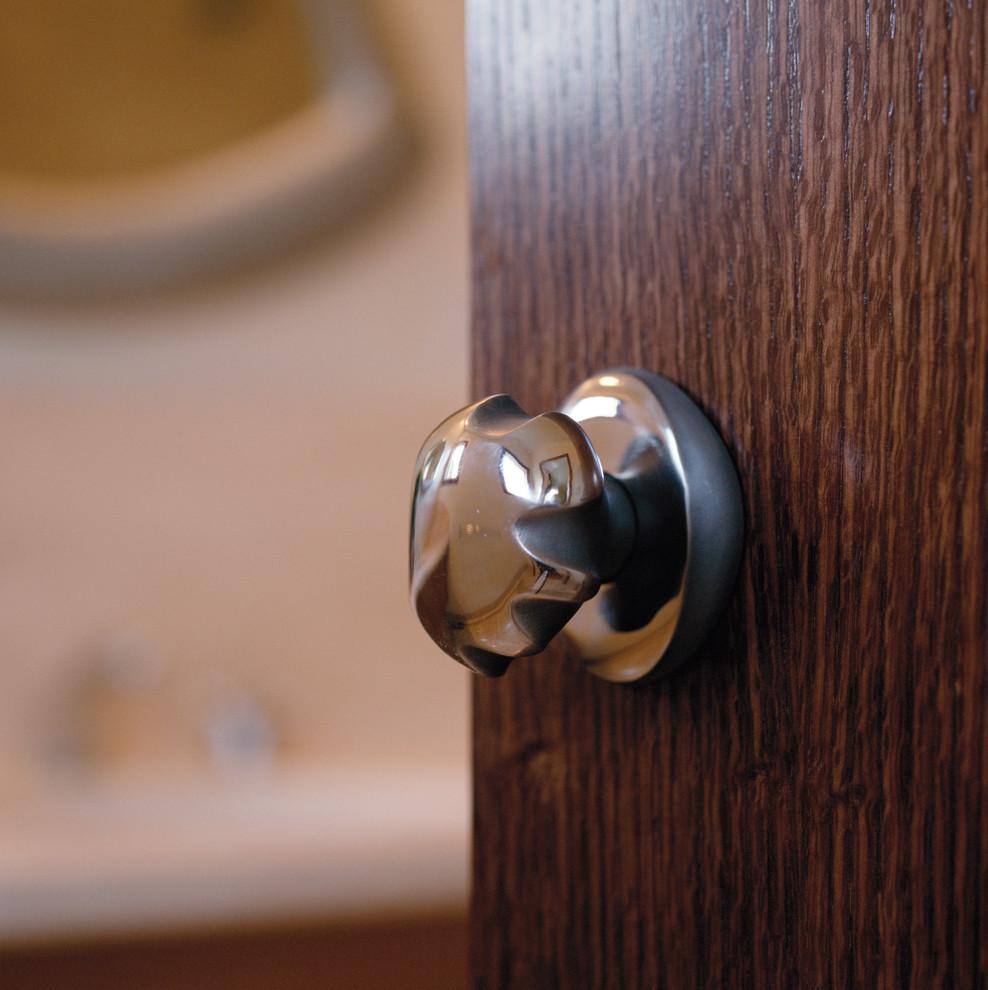 bathroom door knob photo - 5