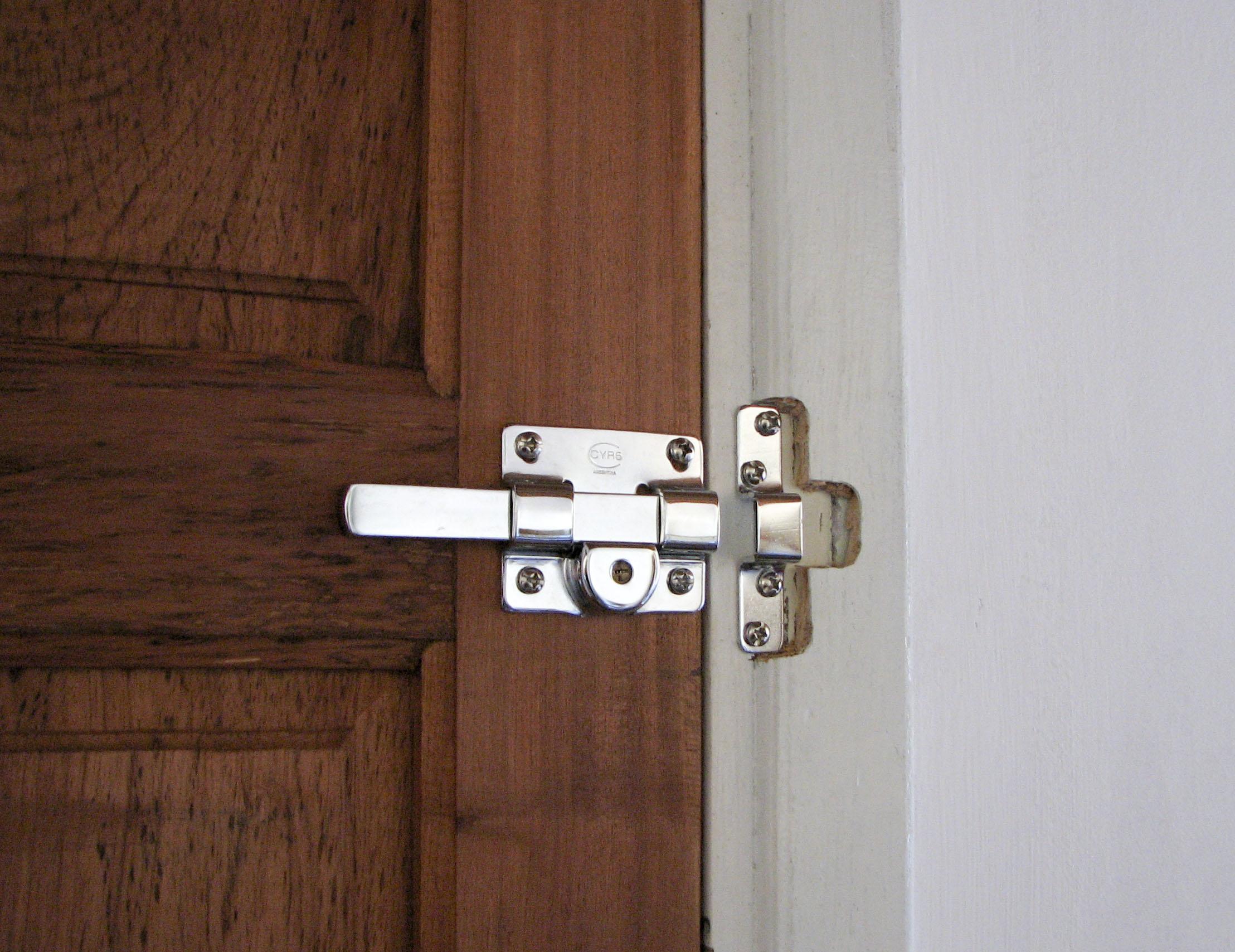 bedroom door knobs with key lock photo - 16