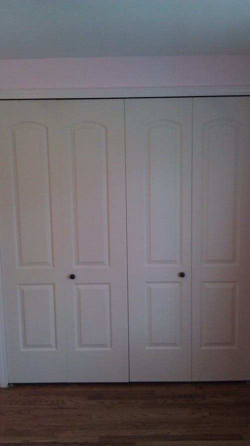 bifold door knob location photo - 4