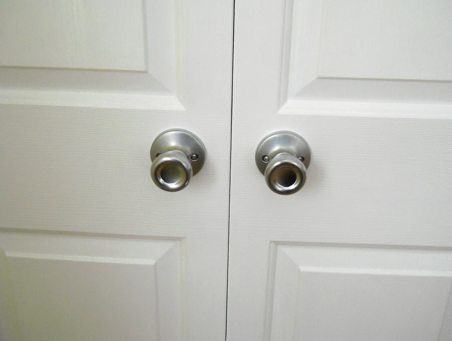 bifold door knobs photo - 6
