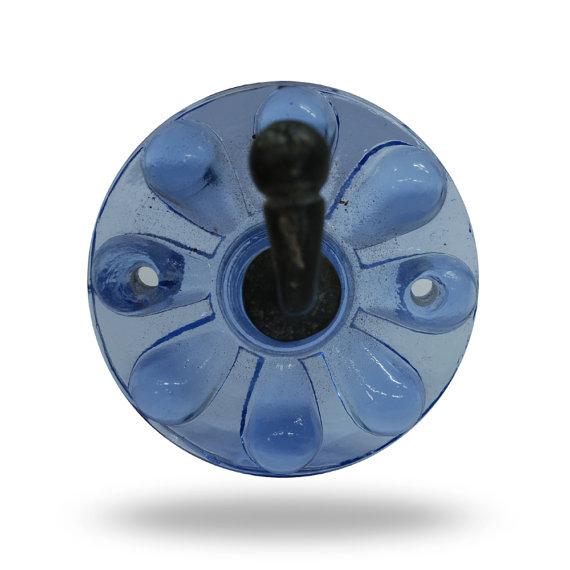 blue door knob photo - 4