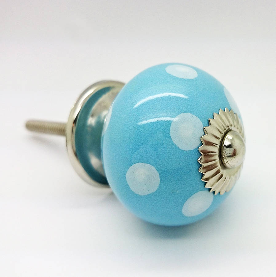 blue door knobs photo - 11