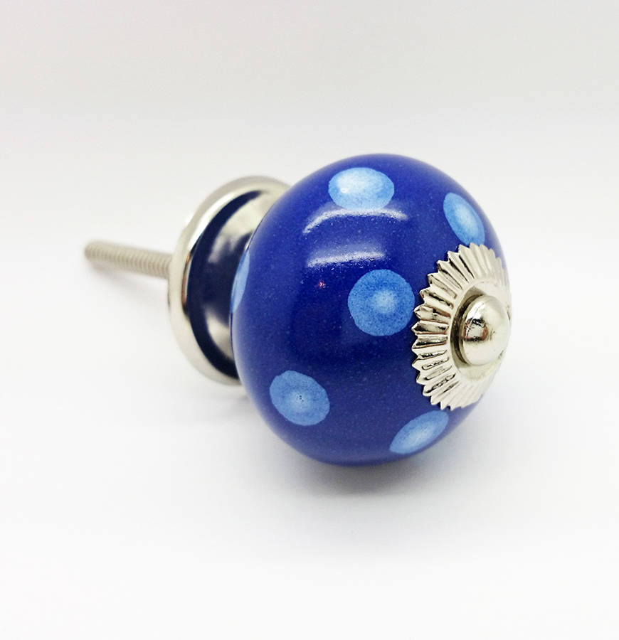 blue door knobs photo - 16
