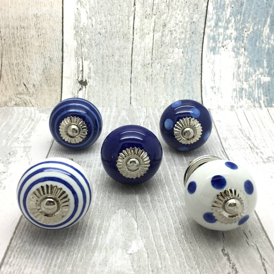 blue door knobs photo - 5