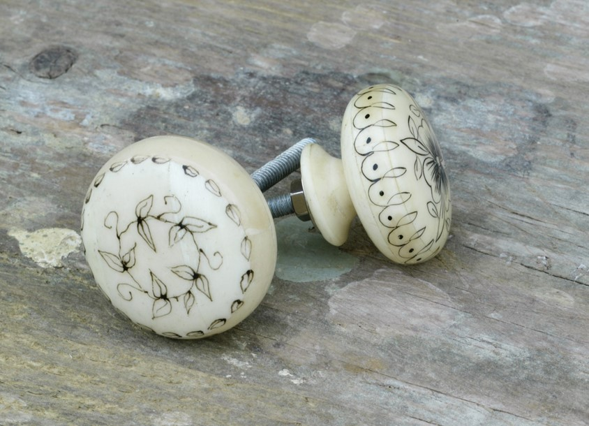 bone door knobs photo - 3