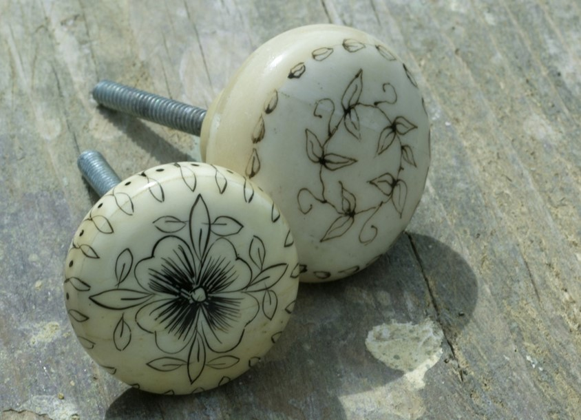 bone door knobs photo - 7