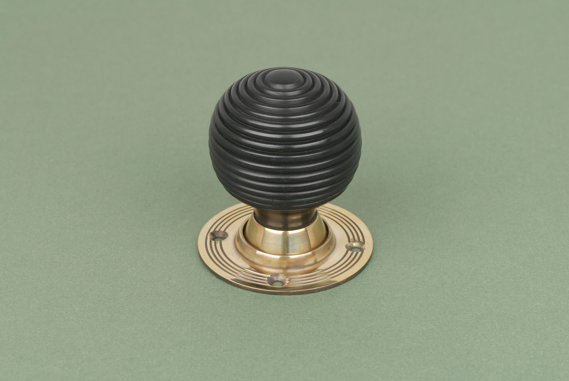 brass door knobs with backplate photo - 13