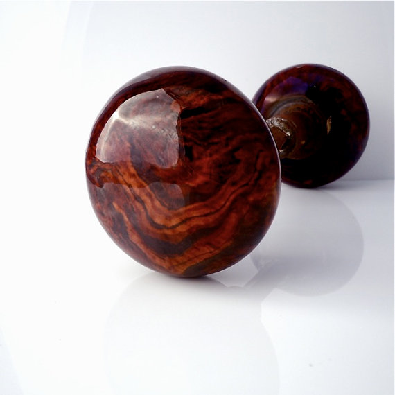 brown door knobs photo - 5
