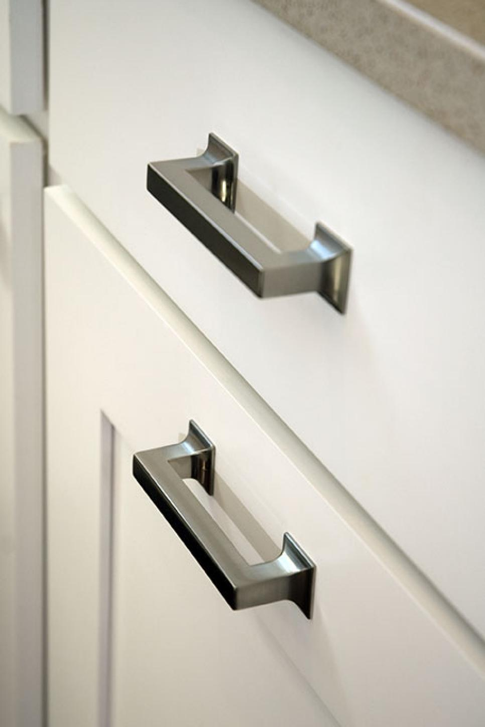 cabinet doors handles and knobs photo - 1