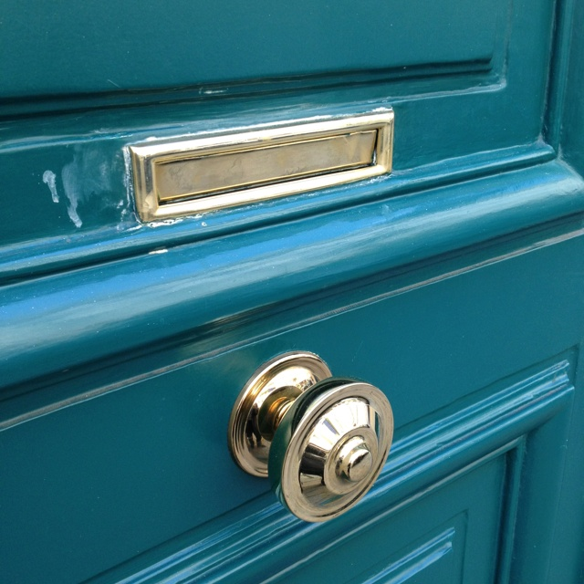 center door knobs photo - 1