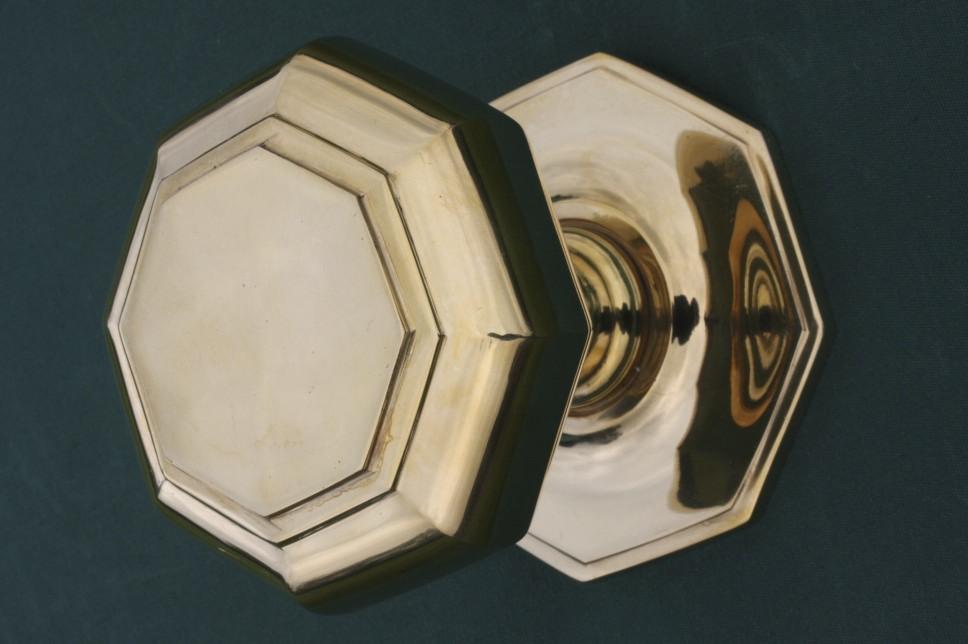 centre door knobs photo - 13