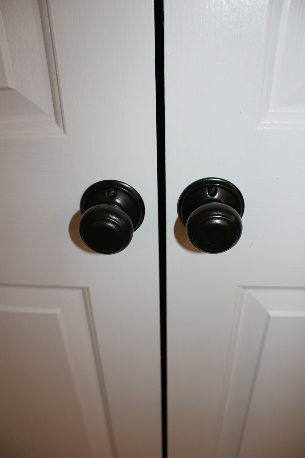 closet door knobs photo - 1