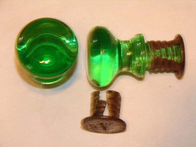 colored glass door knobs photo - 16