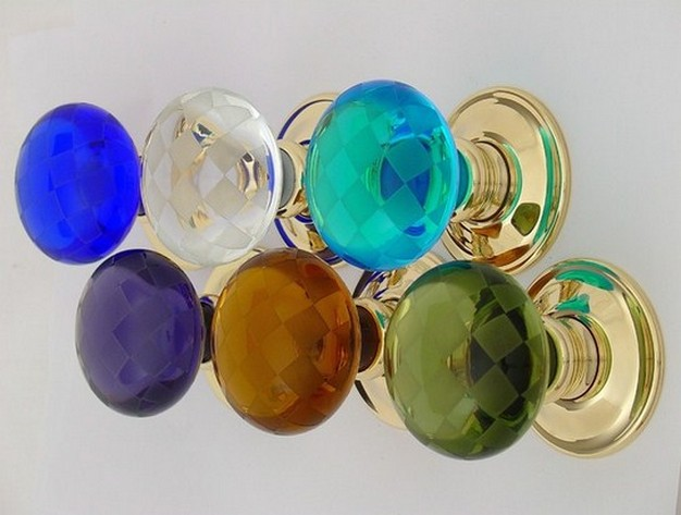 colored glass door knobs photo - 2