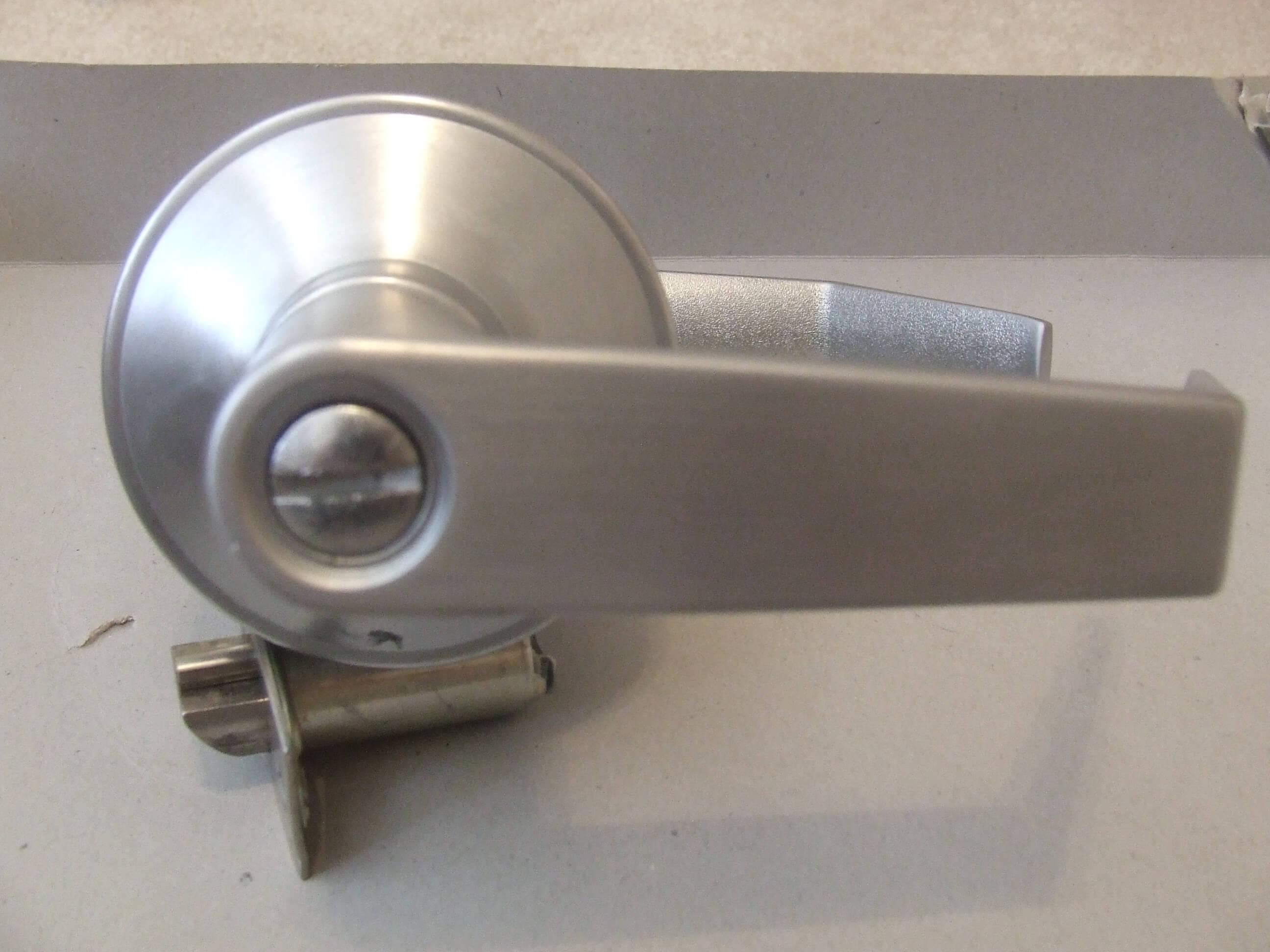 Commercial Bathroom Door Locks Decoration Image Ideas - Commercial bathroom door handle