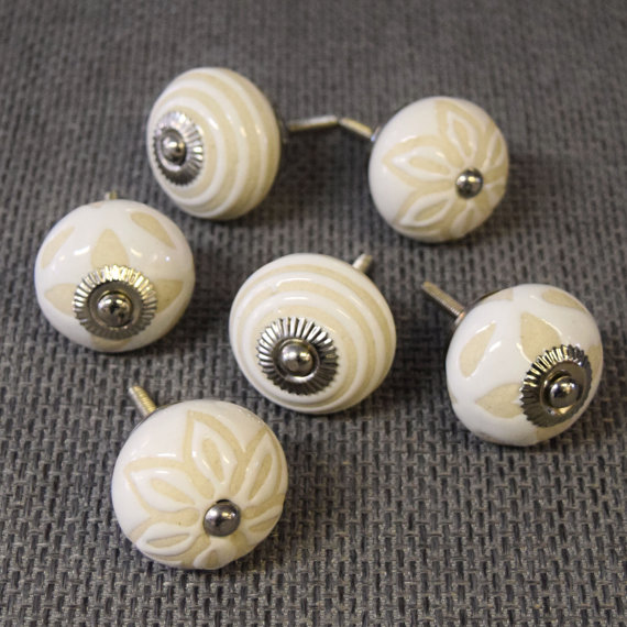 cream door knobs photo - 19