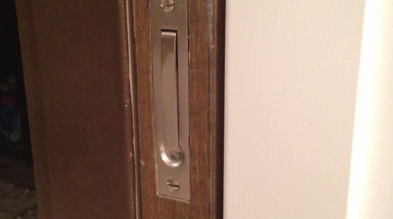 dexter door knob removal photo - 8