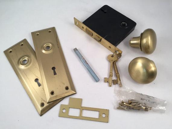 door knob and deadbolt set photo - 11