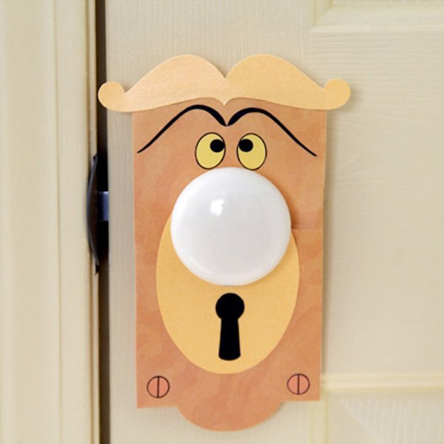 door knob girl photo - 10