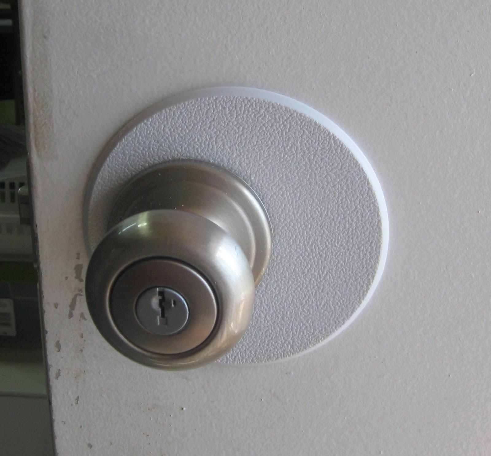 door knob hole photo - 6
