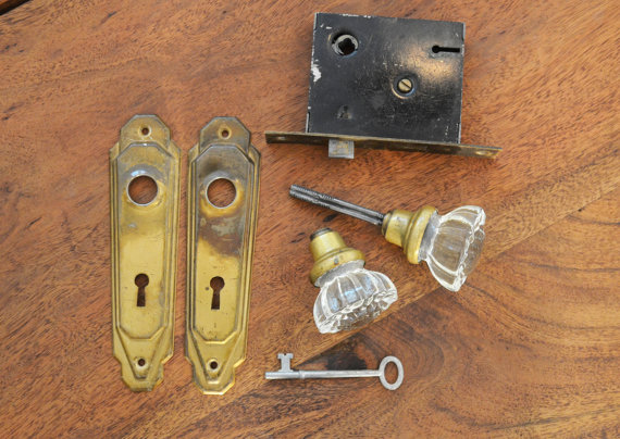 door knob lock mechanism photo - 13