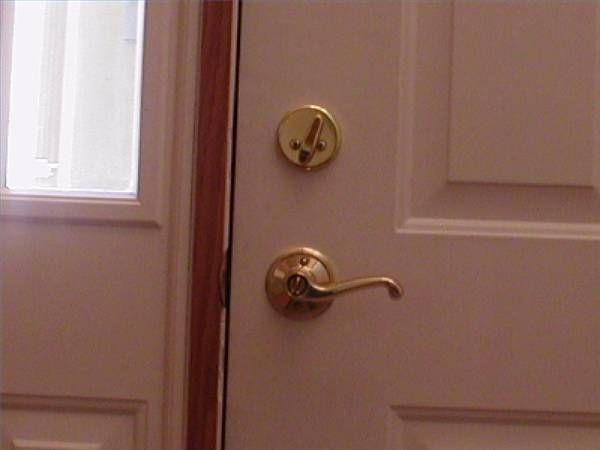 door knob loose photo - 6