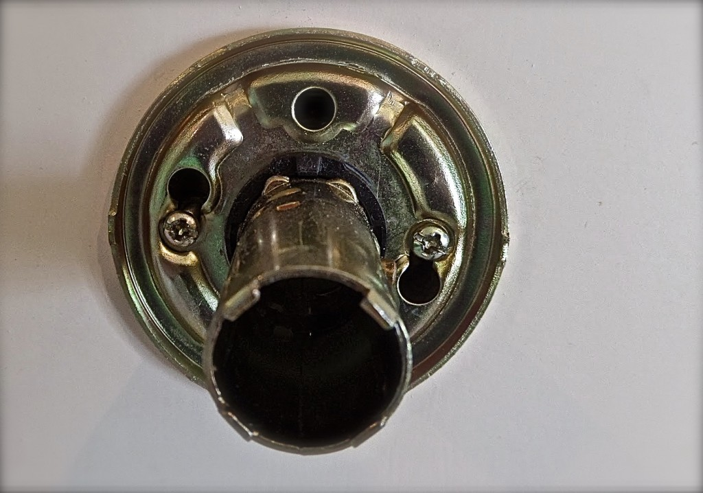 door knob no screws photo - 2