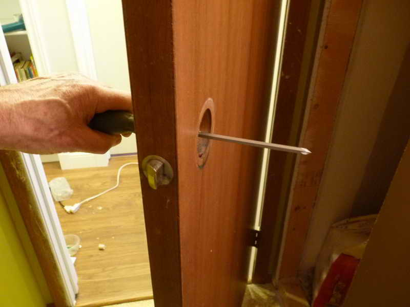 door knob repair instructions photo - 9