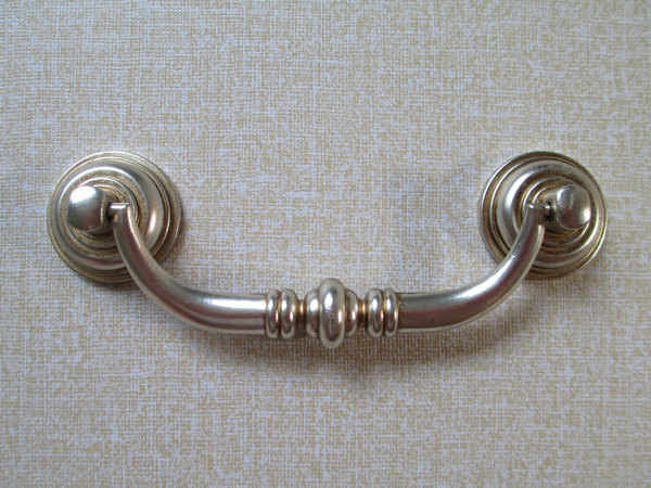 dresser door knobs photo - 10