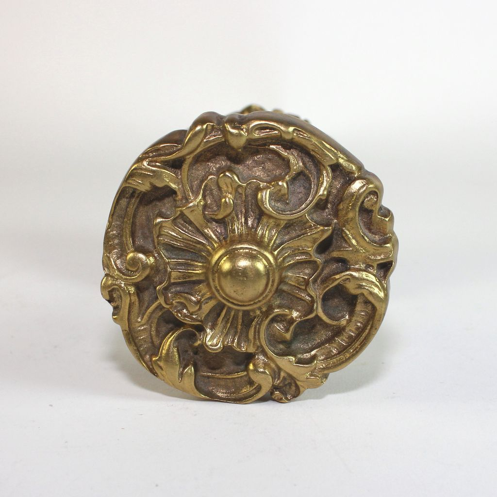 gilded door knob photo - 17