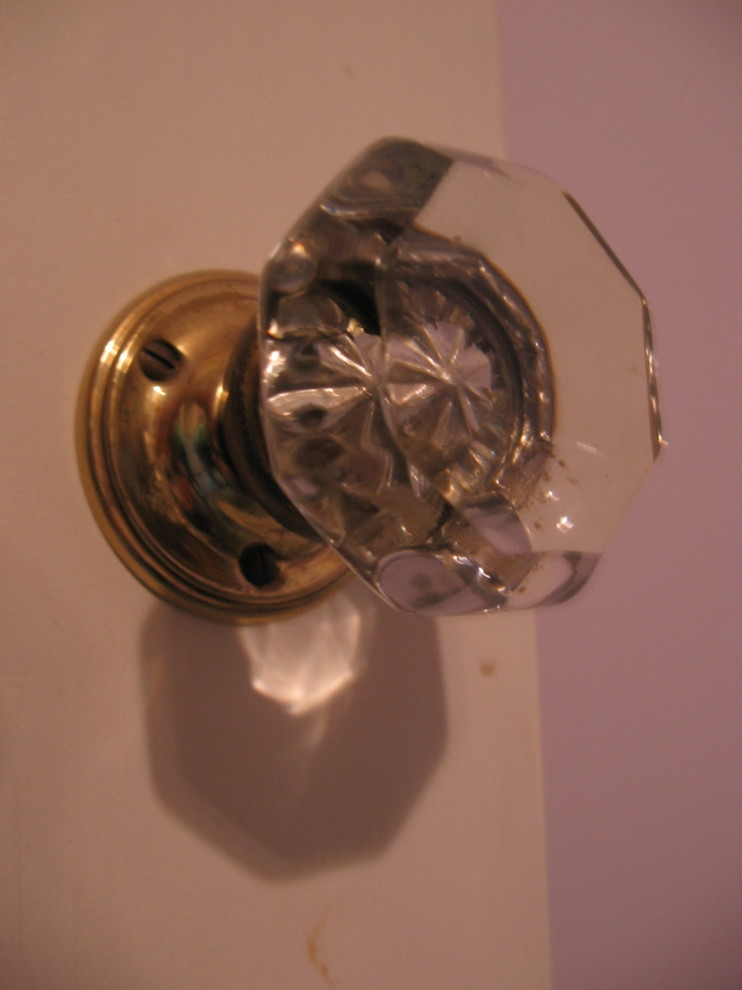 glass closet door knobs photo - 8