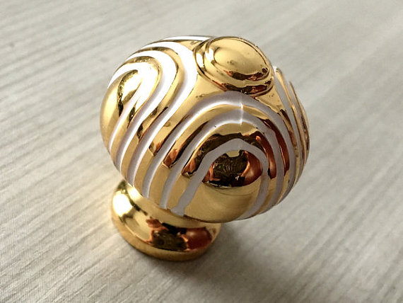 gold door knob photo - 6