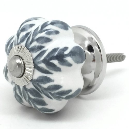 grey door knobs photo - 10