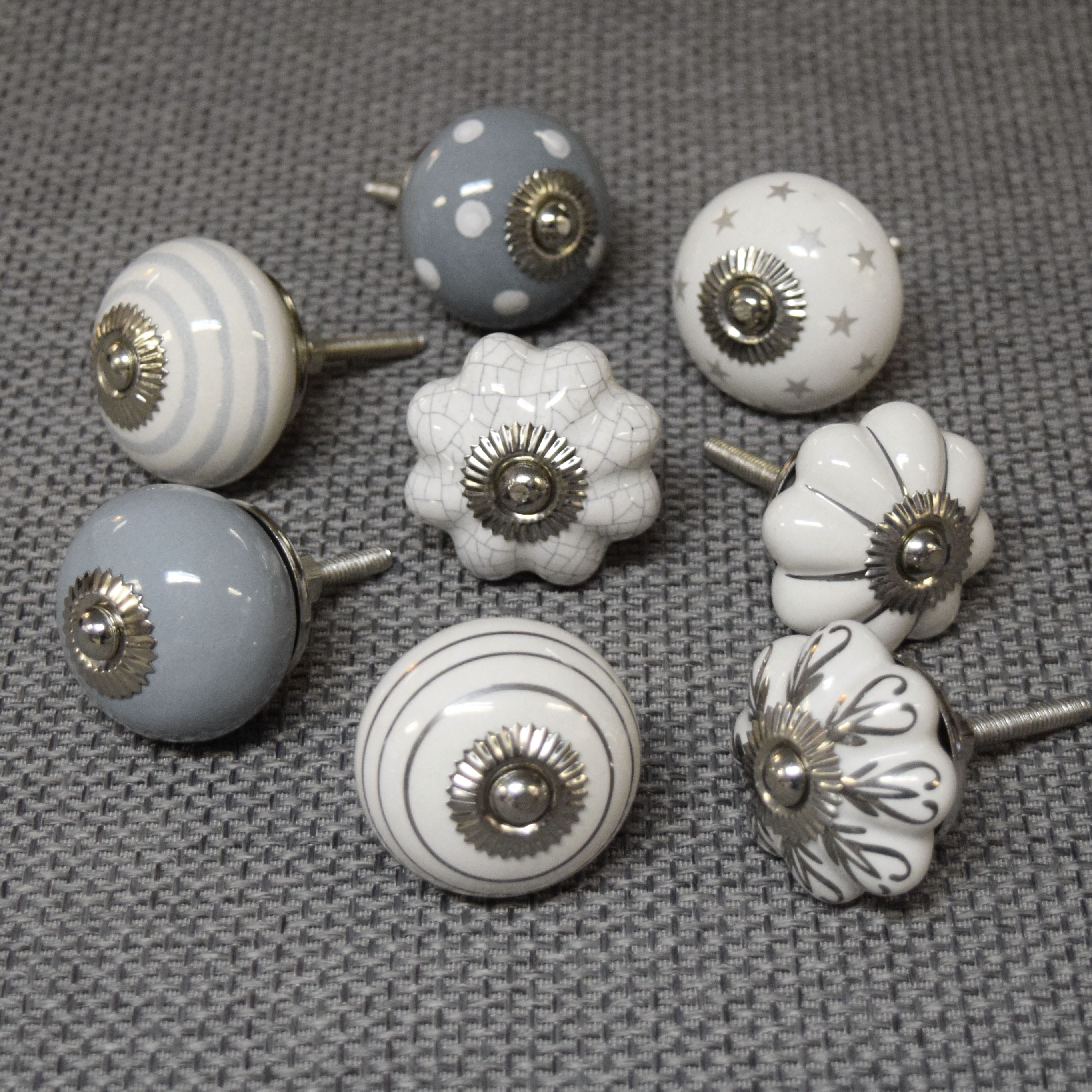 grey door knobs photo - 6