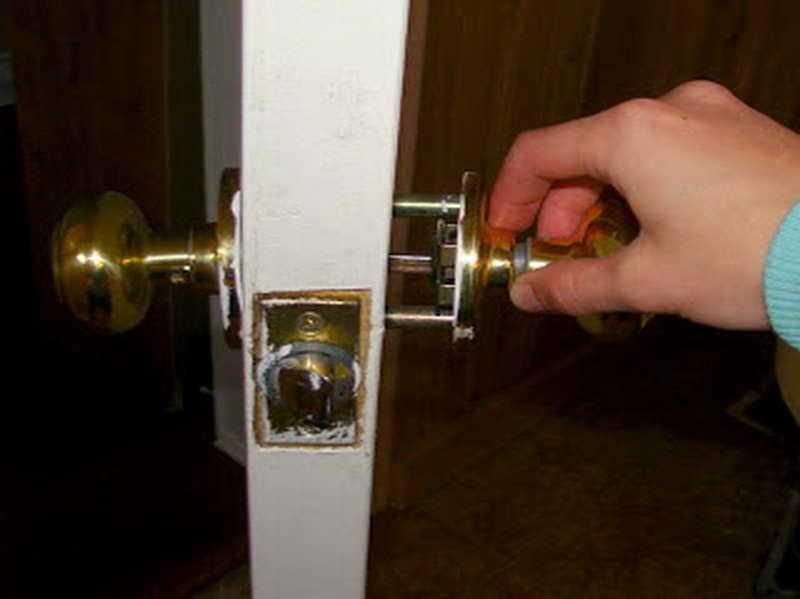 install door knob photo - 8