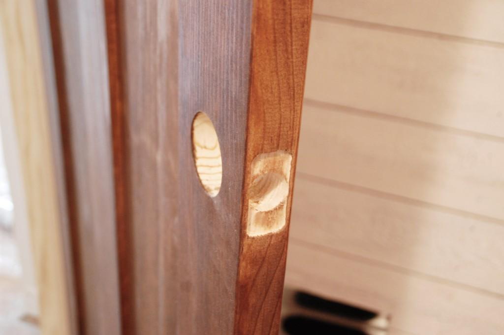 installing door knob photo - 12