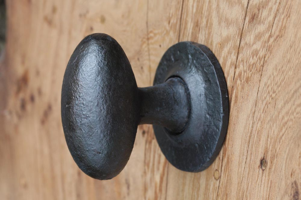 iron door knobs photo - 18