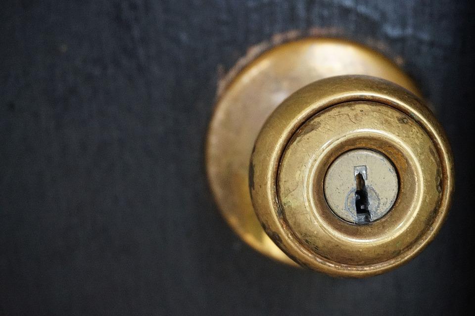 key door knob photo - 3