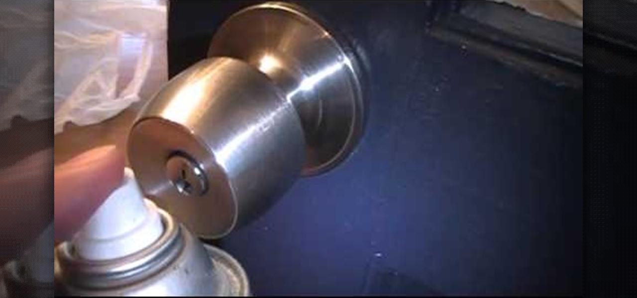 key stuck in door knob photo - 11