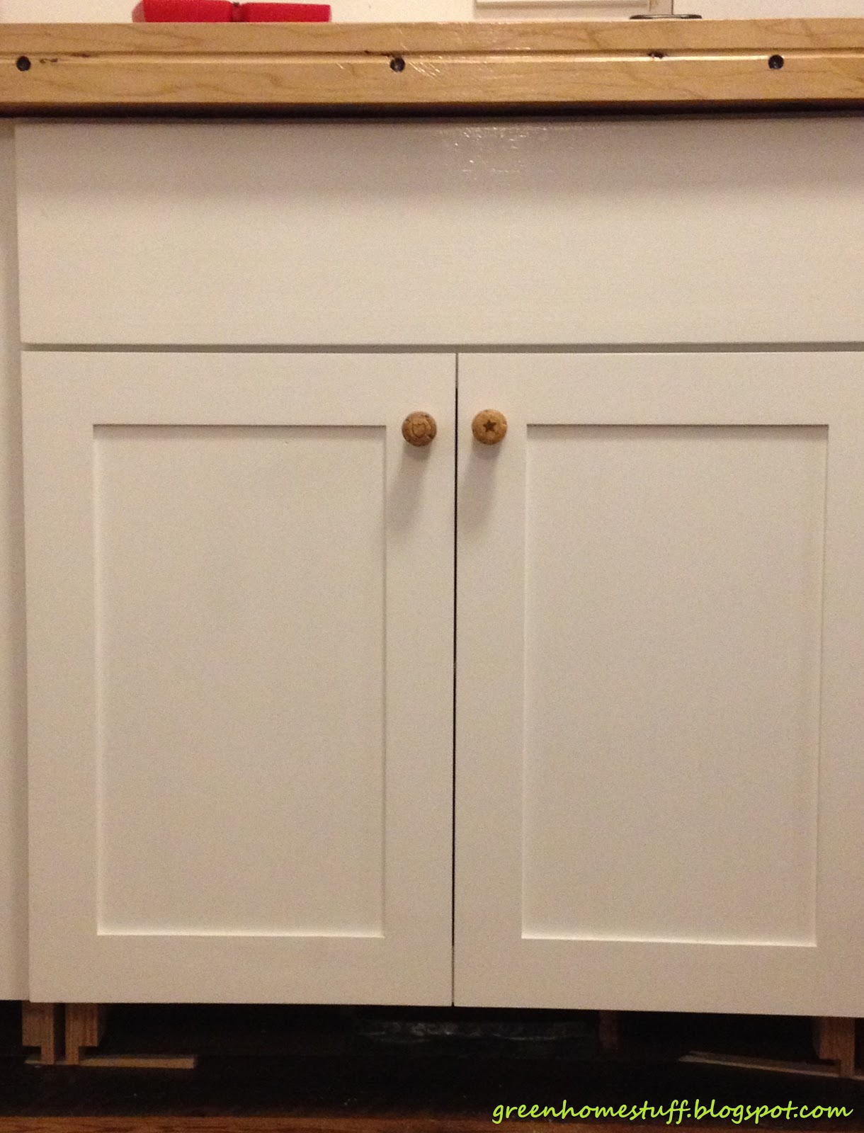 kitchen cabinet door knob photo - 1