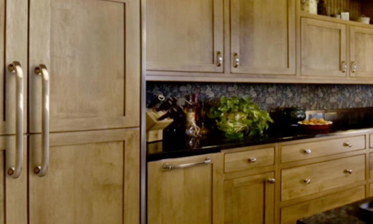 kitchen cabinet door knob placement photo - 13