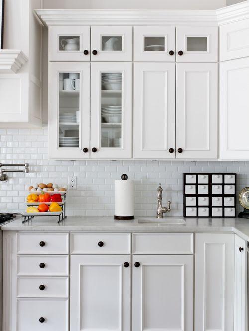 kitchen cabinet door knob placement photo - 19